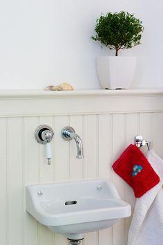 Ideen Wohnungen beadboard.de - stilvolle Wände: skandinavische Badezimmer von www.beadboard.de