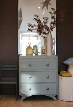 hallway - like the chest of drawers plus the large mirror Dresser As Nightstand, Upcycled Furniture, Drawers, Decoration, Sweet Home, Buffet, Table, House, Inspiration