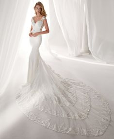 European Wedding Dresses, Lace Wedding Dress, Fit And Flare Wedding Dress, Bridal Wedding Dresses, Cheap Wedding Dress, Wedding Dress Styles, Designer Wedding Gowns, Bustier, Mermaid Dresses