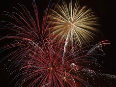 ⭐ July Firework Night - download photo at Avopix.com for free    🏁 https://avopix.com/photo/13961-july-firework-night    #july #firework #night #explosive #fireworks #avopix #free #photos #public #domain