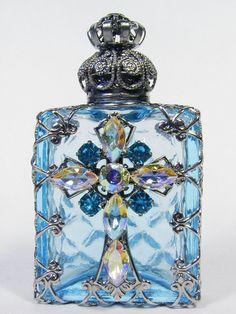 Perfume Bottle - Lt Sapphire, Silver Top with Jewel Decoration in Crystal & Sapphire <3<3<3PRETTY<3<3<3