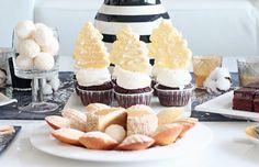 Recept na cupcakes s mascarpone a šlehačkovým krémem ozdobené stromky z bílé čokolády