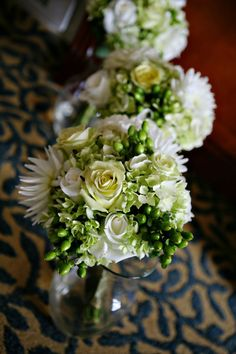bridesmaids-bouquets-of-hydrangea,-hypericum,-dahlia,-and-roses