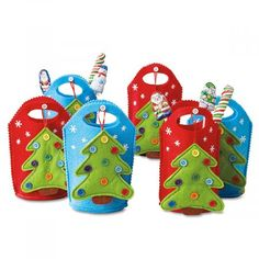 Cute felt bags come with a Christmas tree ornament hanging from a button on the front! Bags are tall in red and blue with a cutout handle. Christmas Gift Bags, Christmas Tree Ornaments, Christmas Holidays, Bazaar Crafts, Party Treats, Treat Bags, Fashion Bags, Red And Blue, Current Catalog