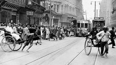 Looks terribly close to Calcutta: Nanking Road, Shanghai, 1925