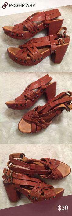 ♦️KORKS by Korks-Ease Leather Platform Sandals ♦️ ♦️Color-Tan♦️Platform♦️Ankle Buckle Sandals ♦️Size 9♦️Light Scruffs-See Pics♦️Good Condition♦️Preowned♦️Leather upper & Lining♦️Very Comfortable♦️Heel - 3.5 Platform. Kork-Ease Shoes Platforms