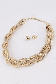 Available in Gold and silver!!! Totally in #love with this braided necklace!!! Find it at www.shopjewelryjunky.com