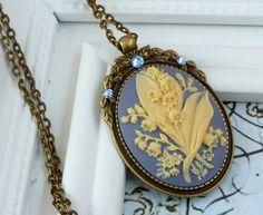 Edle Kamee Halskette im Antik Stil mit von Schmucktruhe auf Etsy
