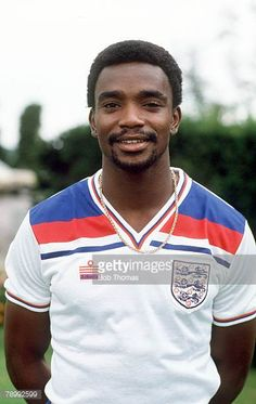 circa 1980 Laurie Cunningham England and who won 6 England international caps from 19791981 Retro Football, World Football, Football Kits, Vintage Football, Pure Football, England Football Players, England Players, Leyton Orient Fc, England