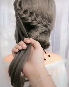 Hair Style Tips 👌 - Hair Styles Hairdo For Long Hair, Long Hair Video, Easy Hairstyles For Long Hair, Elegant Hairstyles, Pretty Hairstyles, Braided Hairstyles, Hair Up Styles, Medium Hair Styles, Hair Videos