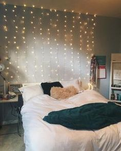 14 Fabulous Rustic Chic Bedroom Design and Decor Ideas to Make Your Space Special - The Trending House Room Ideas Bedroom, Home Decor Bedroom, Teen Bedroom, Girl Bedrooms, Bedroom Bed, Gray Room Decor, Cute Bedroom Ideas For Teens, Bedroom Ideas For Small Rooms, Teenage Bedrooms