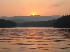 Lake Burton - One of the best summer vacations spots