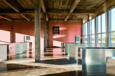 Gallery - How Donald Judd's 100 Shimmering Aluminum Boxes Light Up the Chinati Foundation - 2