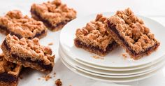 Date crumble slice recipe: Fill your lunch-box with these great lunch, morning tea and snack ideas. Chocolate Caramel Slice, Chocolate Topping, Cheesecake Toppings, Cheesecake Bites, Peppermint Slice, Buttery Biscuits, Classic Desserts, Baking Recipes, Baking Pies