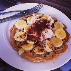 Recept voor gezonde suikervrije wafels! Lekker als ontbijt, lunch, snack of diner! Met spelt meel, banaan en meer lekkers mmm!
