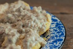 Featured recipes from Weekend Potluck include: Easy One Hour Dinner Rolls, Lemon Crinkle Cookies, Korean Beef Bowls, Chicken Potato Bake and Homemade Sausage Gravy. Homemade Sausage Gravy, Sausage Gravy And Biscuits, Chicken Potato Bake, Over Easy Eggs, Latest Recipe, Biscuit Recipe, Dinner Rolls, Breakfast Recipes, Cooking Recipes