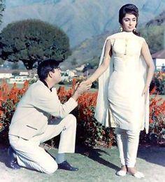 Sadhana Shivdesani (Bollywood veteran actress) in Mera Saaya with Sunil Dutt..
