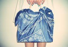 Furoshiki: foulard che diventano borse
