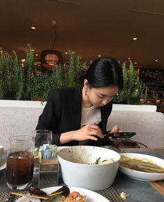 Instagram post by the naeun • Feb 20, 2019 at 5:40am UTC Apink Naeun, Son Na Eun, Types Of Girls, Grunge Girl, Woman Crush, Ulzzang Girl, Bellisima, Korean Girl Groups, Asian Girl