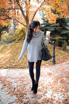 **day 6** Over sized grey sweater with adorable black leggings and leather purse and black shoes.