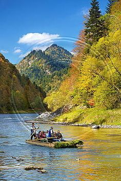 Spływ Dunajcem - Pieniny 10 Picture, Beautiful Places In The World, Nature Wallpaper, Rivers, Mother Nature, Animals And Pets, Natural Beauty, Nature Photography, Castle