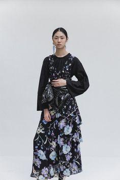 Sfilata Phillip Lim New York - Pre-collezioni Primavera Estate 2018 - Vogue Fashion 2018, Fashion Week, Fashion Trends, Women's Fashion, Unique Fashion, Spring Fashion, Vogue Russia, Fashion Show Collection, 3.1 Phillip Lim