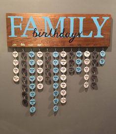 Family birthday board Family birthday board - Diy and crafts interests Diy Para A Casa, Diy Casa, Diy Home Crafts, Wood Crafts, Wood Board Crafts, Adult Crafts, Family Birthday Board, Family Birthday Calendar, Diy Birthday Board