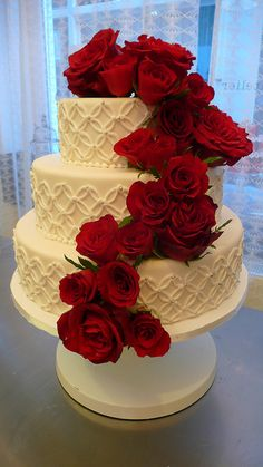 Classic Wedding Cake with Roses | Flickr - Photo Sharing!