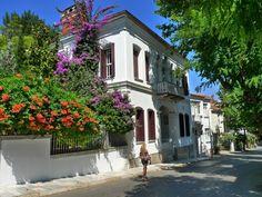 Mansions of Buyukada-XV - buyukada, Istanbul-Pembe Hanım Köşkü, Maden-Büyükada  Agop Maroesyan tarafından 1890 yılında yaptırılmıştır.