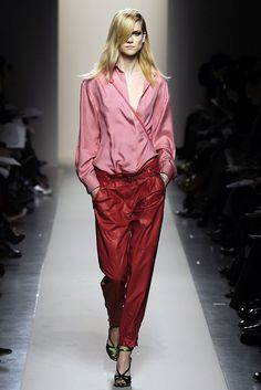 See the complete Bottega Veneta Fall 2010 Ready-to-Wear collection.