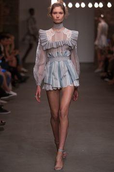 Zimmermann Spring/Summer 2016 Ready-To-Wear New York Fashion Week New York Fashion, Fashion Week, Look Fashion, Trendy Fashion, Spring Fashion, High Fashion, Fashion Show, Fashion Outfits, Fashion Trends