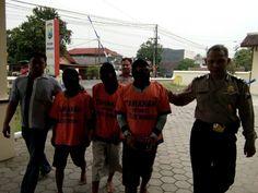 Unit Reskrim Polsek Wonoayu Tangkap Tangan Tiga Pengedar Ganja dan Sabu-Sabu