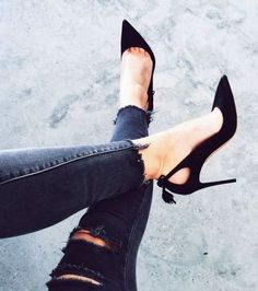 Love the details of these black heels! #love #shoes