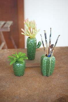 Kalalou Set Of 3 Cactus Vases - The most creative designs Clay Projects, Clay Crafts, Decoration Cactus, Diy Decoration, Wedding Decoration, Idee Diy, Cactus Flower, Green Cactus, Craft Ideas