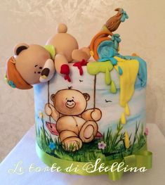 EDITOR'S CHOICE (01/21/2015) Pretty bears by graziastellina View details here: http://cakesdecor.com/cakes/177007-pretty-bears