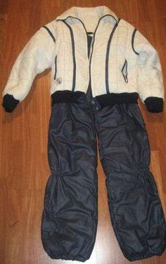 Traje de esquiar azul marino y blanco en buen estado  Caracteristicas:  - usado, en estado impecable - marca C ..  http://leon-city.evisos.es/traje-de-esquiar-azul-marino-y-blanco-en-id-423064