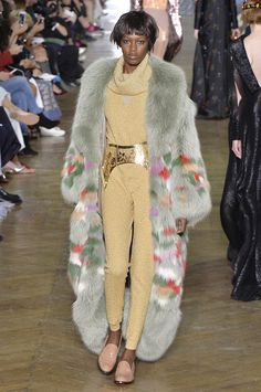 See the best looks from the top couture collections showing in Paris.