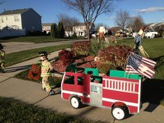 Fire truck wagon for Halloween costume<br> Diy Fireman Costumes, Wagon Halloween Costumes, Wagon Costume, Family Costumes, Halloween Kostüm, Halloween Cosplay, Holidays Halloween, Homemade Halloween, Wagon Floats