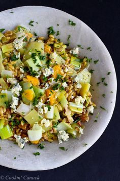 Whole Grain Salad with Oranges, Leeks and Blue Cheese...Wonderful flavors, with a healthy whole grain spin. 188 calories and 5 Weight Watchers PP | cookincanuck.com #recipe #vegetarian