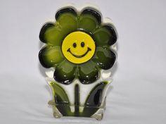 RETRO VINTAGE LUCITE SMILEY FACE FLOWER NAPKIN OR MAIL HOLDER Mail Holder, Hippie Flowers, Letter Holder, Acrylic Resin, Smiley, Retro Vintage, Napkins, Face, Color