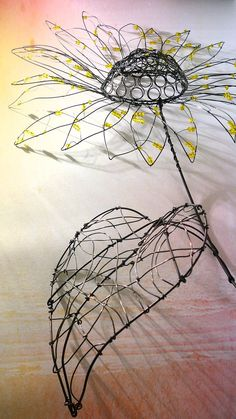 "Find out more details on ""metal tree art projects"". Look at our internet site. Chicken Wire Art, Chicken Wire Sculpture, Wire Art Sculpture, Wire Sculptures, Abstract Sculpture, Bronze Sculpture, Wire Crafts, Metal Crafts, 3d Zeichenstift"