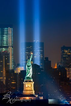 Tribute in lights - NYC and statue of liberty [USA]