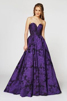 Floral Evening Gown, Purple Evening Gowns, Beautiful Evening Gowns, Floral Gown, Beautiful Prom Dresses, Sexy Dresses, Dark Purple Prom Dresses, Purple Wedding Gown, Peacock Wedding