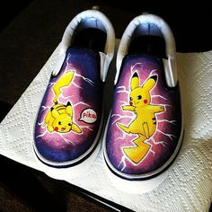POKEMON Pikachu Shoes Slip-on Painted Canvas Shoes,Slip-on Painted Canvas Shoes