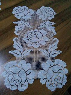 Filet Crochet, Crochet Doilies, Crochet Flowers, Crochet Designs, Mehndi, Table Runners, Diy And Crafts, Crochet Necklace, Sewing