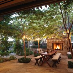 Hillside Farmhouse - rustic evenings in your garden.
