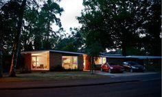 Fahrenheit 451: Midcentury Renway bungalow in Edgcumbe Park, Crowthorne, Berkshire