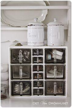 Countertop storage