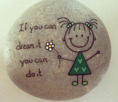 petit dessin accompagné d un message, exemple de dessin sur galet à réaliser soi meme, activité enfant maternelle