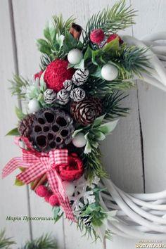Вінок ′Новорічне мерехтіння′ Handmade Decorations, Christmas Wreaths, Holiday Decor, Flowers, Royal Icing Flowers, Flower, Florals, Floral, Handmade Ornaments